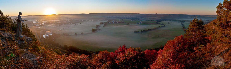 Herbstlicher Morgennebel im Saaletal